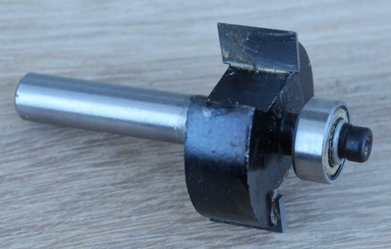 Fræsejern anvendt (kantfræser)
