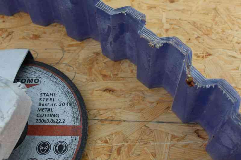 PVC Trapezplader efter afkortning med vinkelsliber
