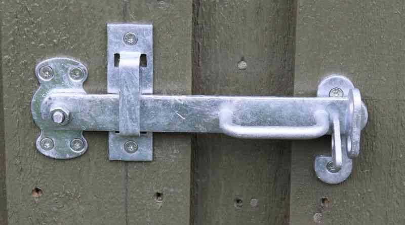 Færdigmonteret stalddørsgreb yderside dør til skur