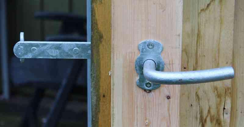 Stalddørsgreb inderside dør til skur